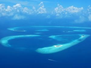 A bird's eye view of Baa Atoll (Photo Credit: Frédéric Ducarme)